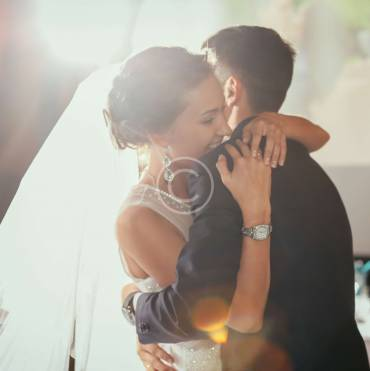 Experts Talk: What's Best for Weddings